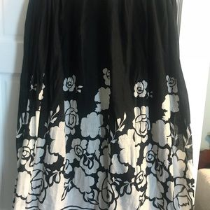 Gorgeous cotton skirt lined & full flowing bottom
